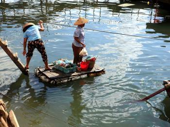 行走在水上的三亚疍家人02