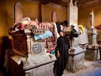 住在墓地里的开罗人05