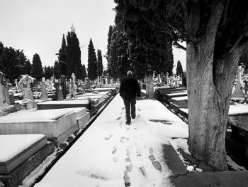 殡仪倌阿玛多•拉巴尔03