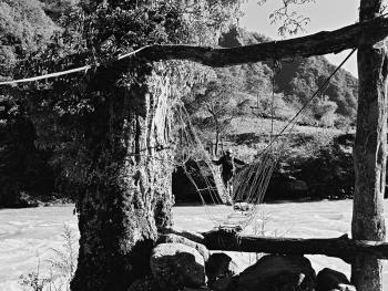 独龙江的桥09