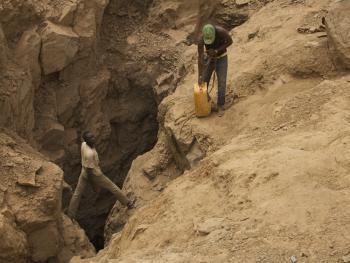 布基纳法索的淘金客