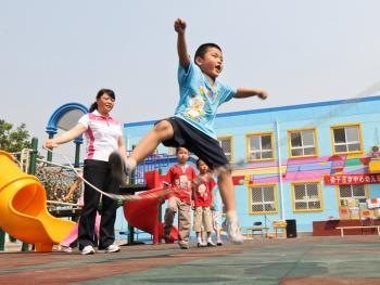 乡村幼儿园的变迁09