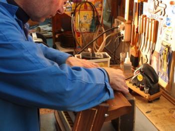 传统手风琴制作11