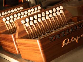 传统手风琴制作12