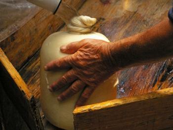 羊奶酪的制作08
