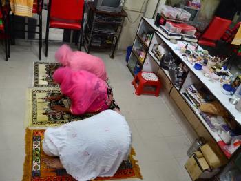 吉大港的美容院09