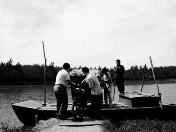 河里圈拉纤渡船11