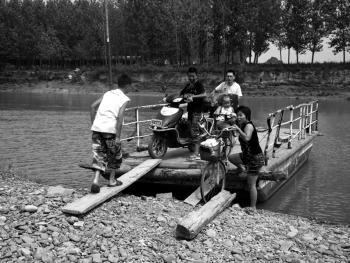 河里圈拉纤渡船04