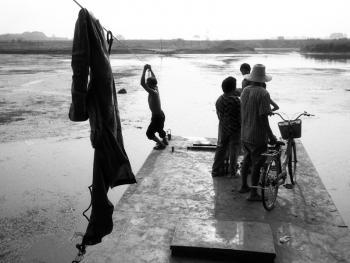 河里圈拉纤渡船09