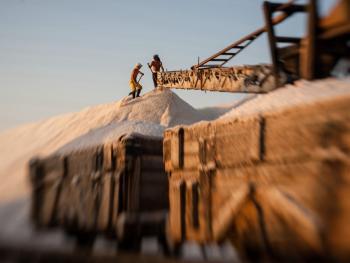 锡盐的生产加工04