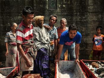 托拉雅人扫墓仪式08