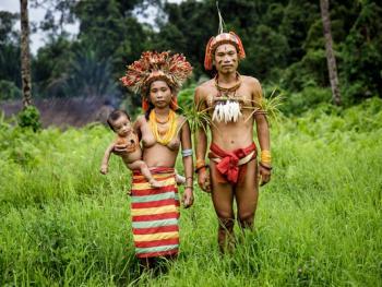 明打威群岛上的部落08