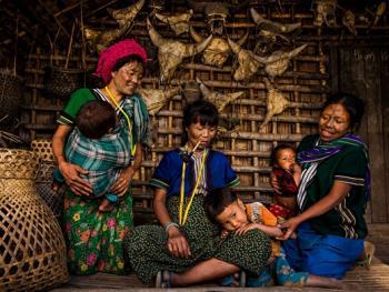 缅甸钦族的纹面2