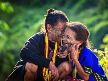 缅甸钦族的纹面