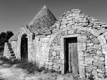意大利乡村传统石顶小屋建筑11