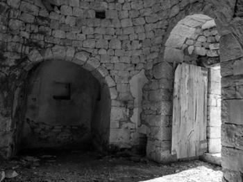 意大利乡村传统石顶小屋建筑12