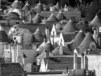 意大利乡村传统石顶小屋建筑01