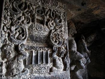 印度埃洛拉石窟06