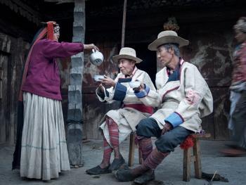 俄亚摩梭村落的生活10