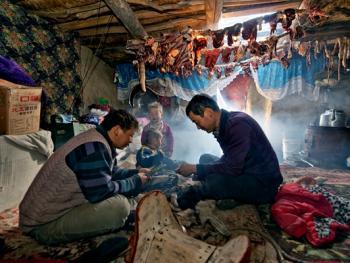 中国哈萨克族牧民的冬牧场生活04