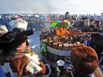鄂温克祭火05