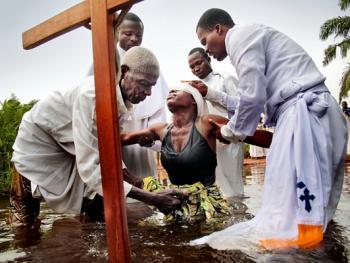 贝宁天体基督教派的洗礼04