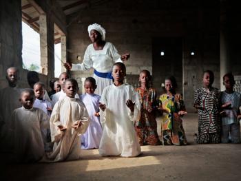 贝宁天体基督教派的洗礼09