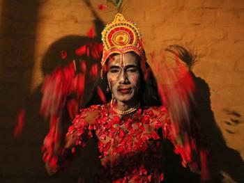 印度神话人物的装扮过程10