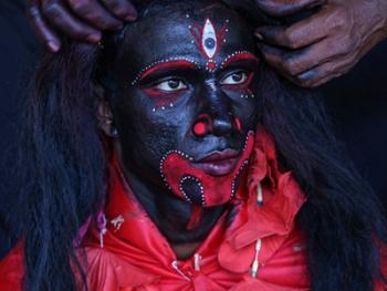 印度神话人物的装扮过程11