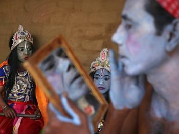 印度神话人物的装扮过程14