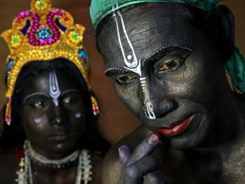 印度神话人物的装扮过程01