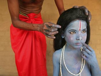 印度神话人物的装扮过程03