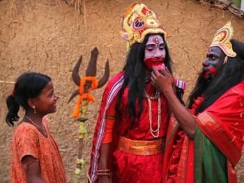 印度神话人物的装扮过程06