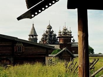 俄罗斯北部的木质教堂02