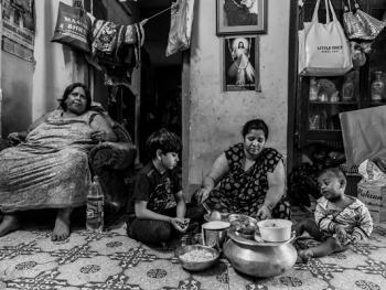 印度敛尸家族的生活08