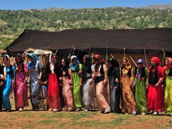 伊朗游牧民族的生活习俗11