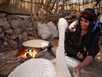 伊朗游牧民族的生活习俗04