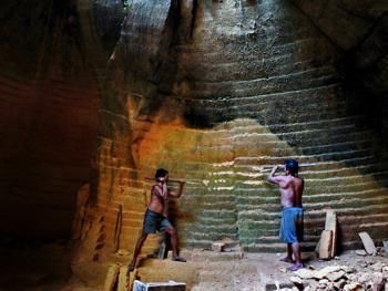 印度尼西亚开山采石
