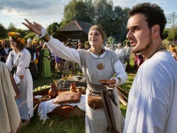 立陶宛圣母升天节06