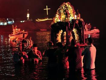 蒂诺斯岛耶稣受难日仪式10