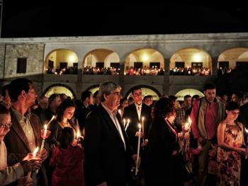蒂诺斯岛耶稣受难日仪式