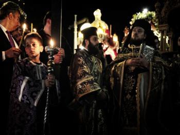 蒂诺斯岛耶稣受难日仪式02