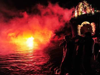 蒂诺斯岛耶稣受难日仪式07