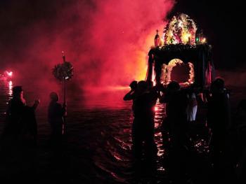 蒂诺斯岛耶稣受难日仪式08
