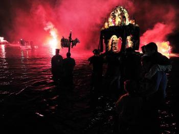 蒂诺斯岛耶稣受难日仪式09