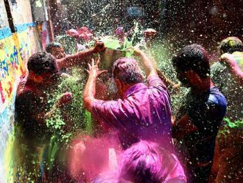 胡里节的色彩11