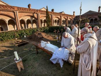 隐修院的葬礼