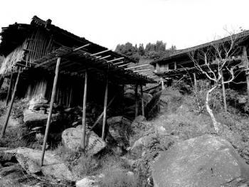 HPA9BP-11154-石头上的苗屋10