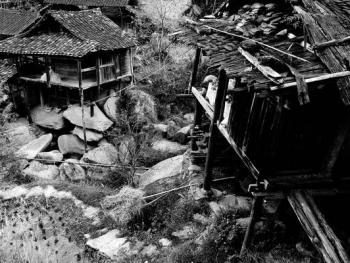 HPA9BP-11154-石头上的苗屋12