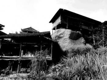 HPA9BP-11154-石头上的苗屋04